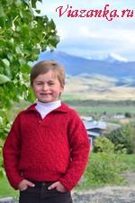 Красивый свитер с застёжкой поло и квадратной проймой для мальчика