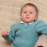 Пуловер для мальчика 2-3 лет из шерстяной пряжи.
