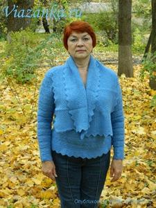 Ажурный шарф на шее