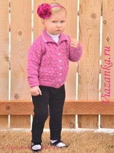 Штанишки для девочки 2-3 лет связаны спицами