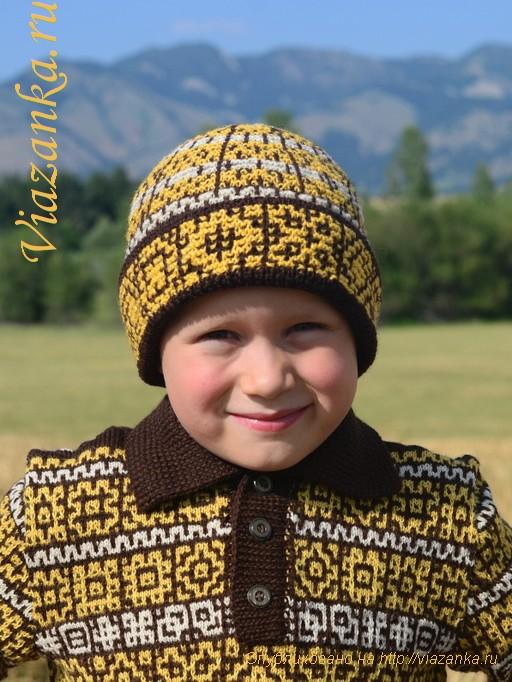 шапка для мальчика с орнаментом из ленивых узоров