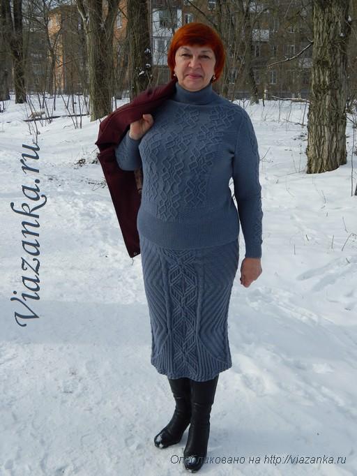 серый женский свитер спицами 2