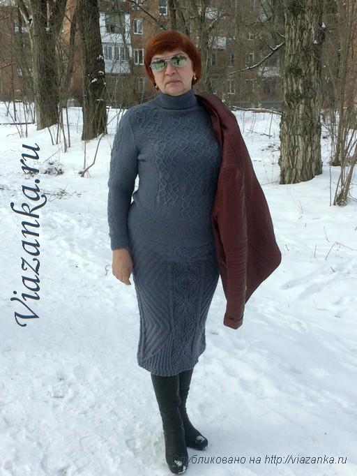 серый женский свитер спицами 3