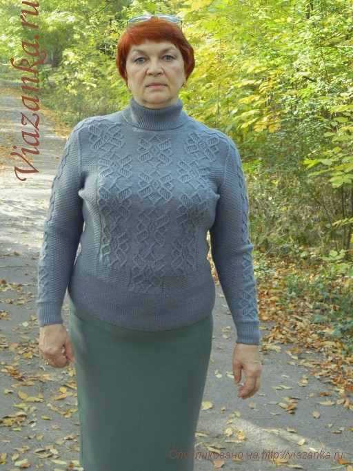 серый женский свитер спицами 8
